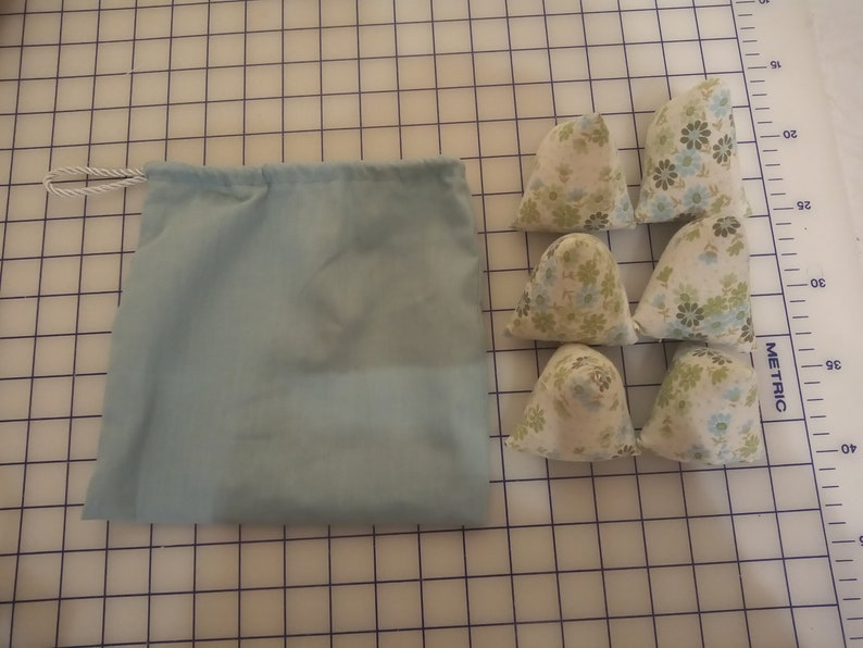 Six handmade FabricPattern Weights with draw string bag.