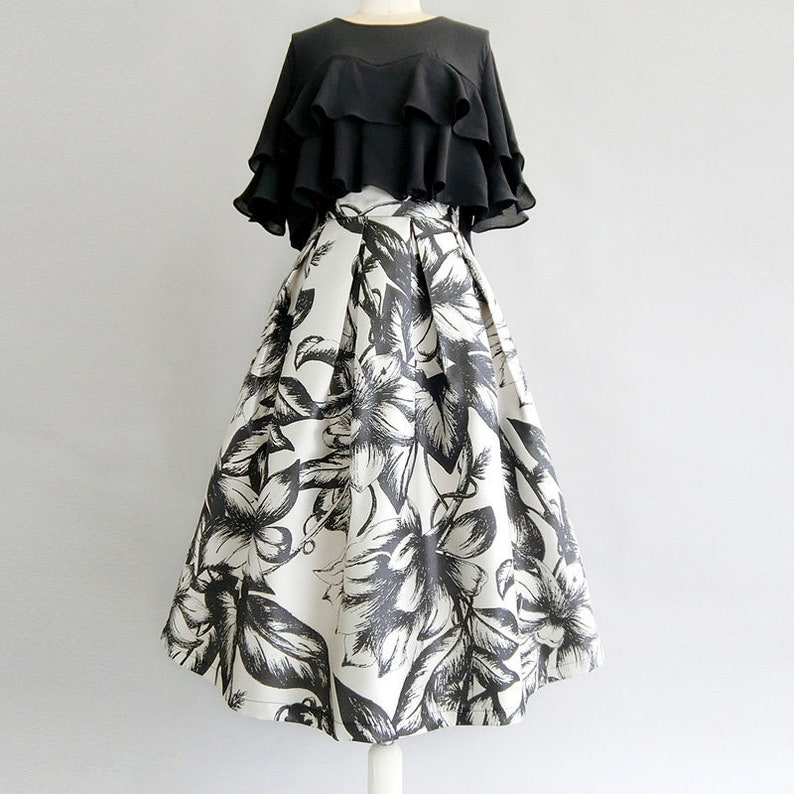 Black /& White Floral Print Box Pleat Midi Skirt with Pockets Custom LengthSize Available