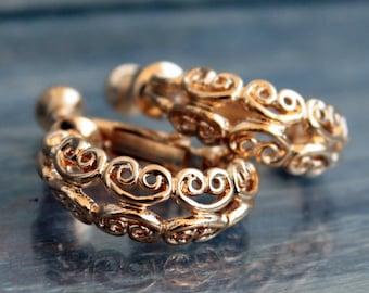 Vintage tiny hoop earrings gold Mid century Napier jewelry Huggie clip earrings screw backs
