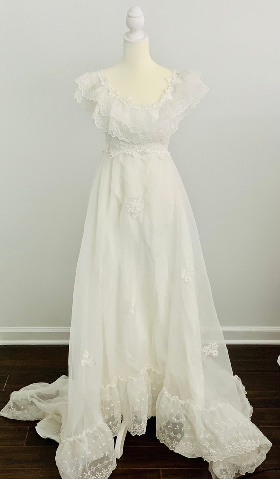 Vintage, 1970's, Eyelet Wedding Dress, Ruffles, Ey