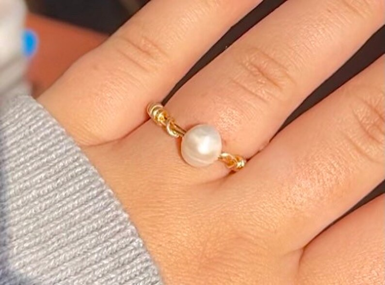 Single Pearl Ring