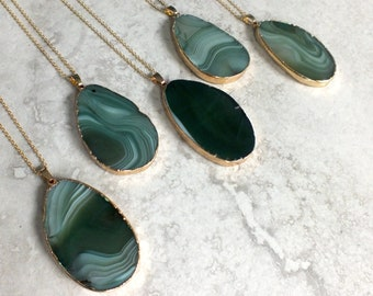 optionally with 55 cm leather strap EA368 ready to wear green Agate pendant stone Unique