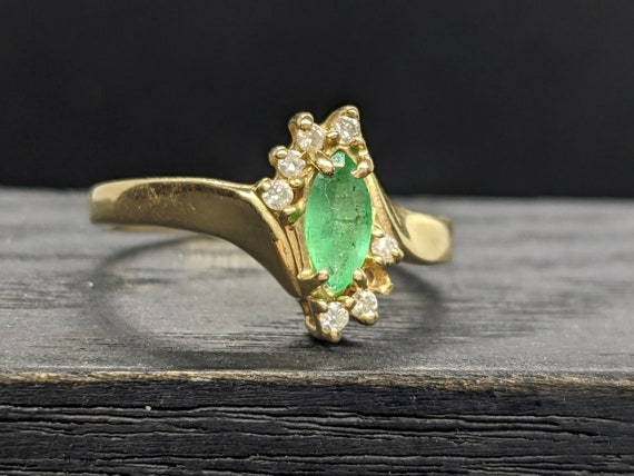 10k Gold Cathedral Bypass Marquise Brilliant .33ctw Emerald /& Diamond Halo Ring