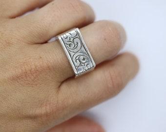 Lois Hill 925 Sterling Silver Statement ring. STERLING Silver Signet ring. Brutalist floral band.