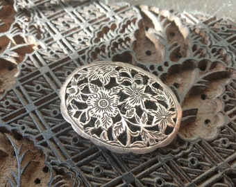 vintage silver Brooch with flowers , Dutch silver, 925 silver, Made in Rotterdam, Great looking composition of flowers ready to wear