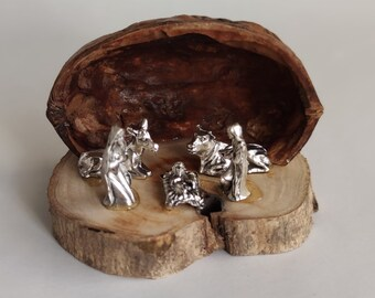 Wooden Nativity set miniature in walnut shell ornament, olive wood nativity scene Holy family figurine gift