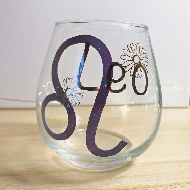 Leo Wine Glass