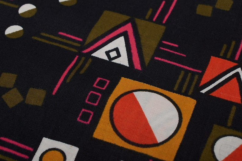 Fabric for patchwork quilting Quilting Sewing Retro 1990 Vintage Cotton Fabric Geometric pattern on black background