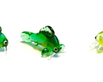 glass animal  figurine size approx 78x30x20 mm price for 3 pieces Green Jumper Frog to a flowerpot quality handwork made in Czechia