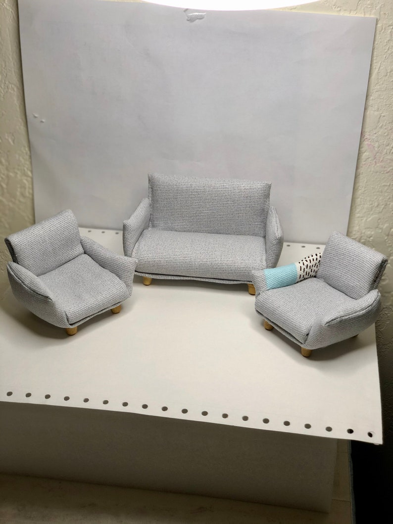 cushions .cake box dollhouse 3pcs miniature couch