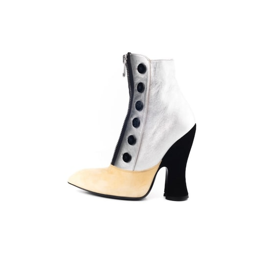 MIU MIU leather ankle boots. Booties. Ankle Boots