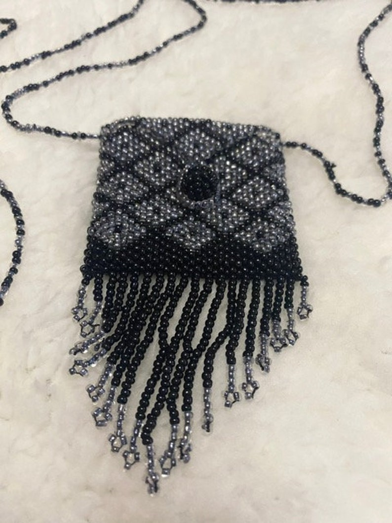 Beaded necklace coin pouch