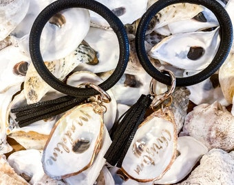Car Keys with oyster shell Oyster decor keychain   Personalized car keychain Keychain with gold oyster Loop and tassel keychain