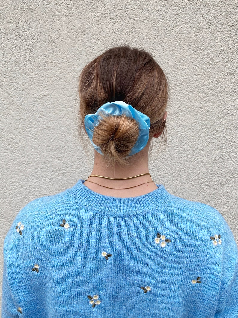 Satinscrunchie light bluesky blue sky
