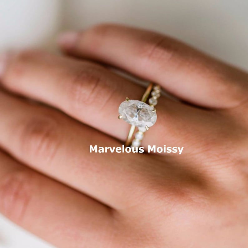 Colorless Moissanite Engagement ring Oval Oval Wedding Ring Engagement Gift for her 1.85CT Solitaire Moissanite Wedding Ring For Women