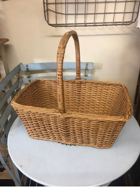 Vintage wicker 40's style shopping basket