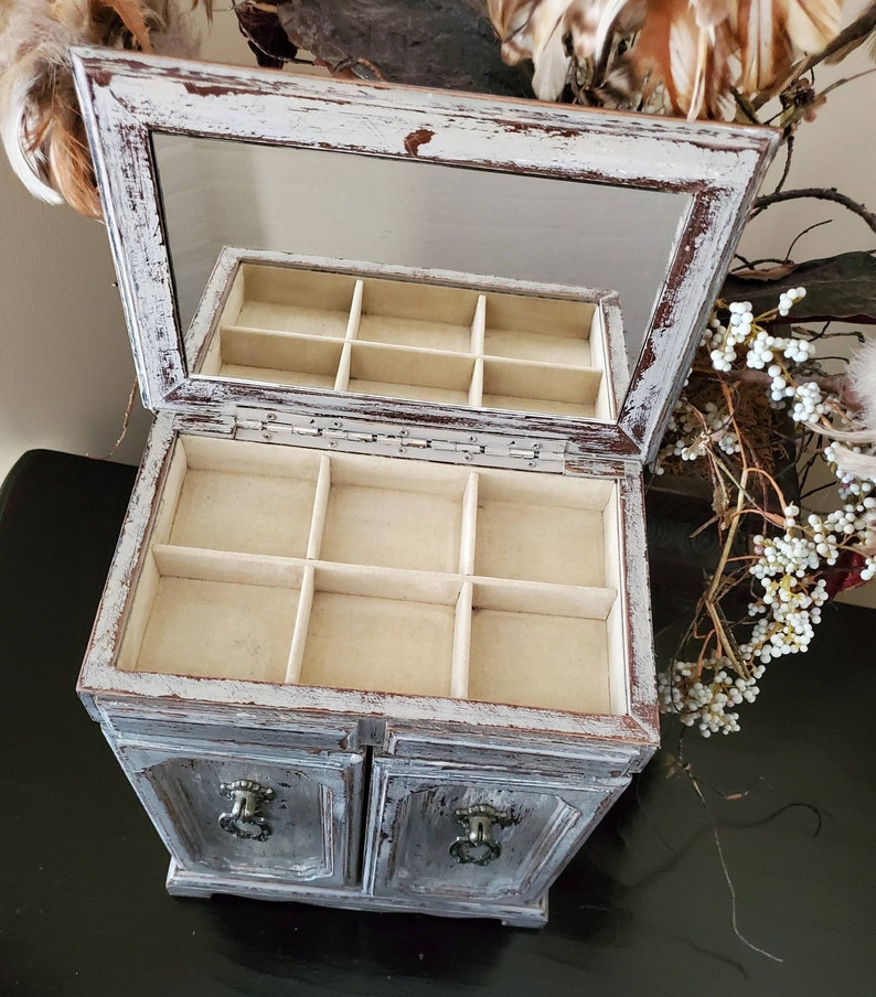 Farmhouse Jewelry Box,Jewelry Box,Farmhouse,Farmhouse Decor,Shabby Chic,Trinket Box,Jewelry Storage,Jewelry Organizer,Vintage Jewelry Box