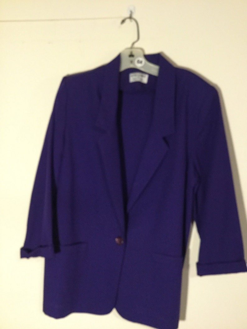 Size 10 Alfred Dunner Unlined Jacket with 34 Sleeves 64 Single Button Front in Purple