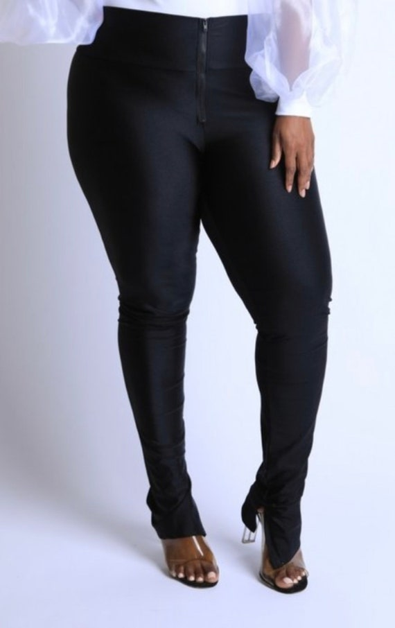 Plus size pants, women pants, curvy, curves, mom f