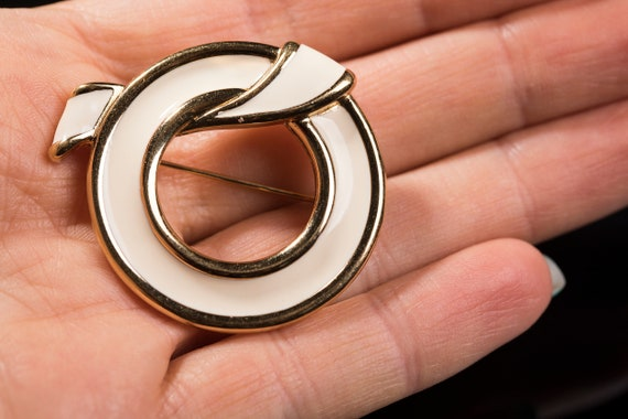 Cream and silver Monet circle brooch