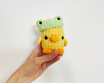 Amigurumi crochet duckling plush in frog hat Cute plushie kawaii fluffy duckling squishy green frog hat gift Bestfriend Cute froggy keychain