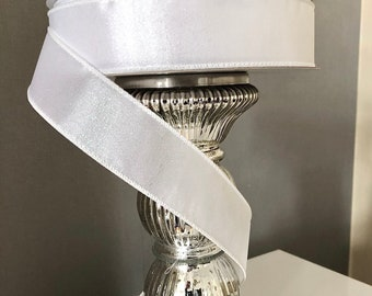 WHITE first communion PURETE DORE: Dredged pooche in white feathered cotton and white ribbon and gold cross for baptism marriage