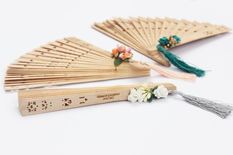 Engraved Fan Gift Wooden fan for wedding,Natural Wood Fans Hand Fan for Wedding Gift Wedding Party Favour,Personalized Wedding Gift Fans
