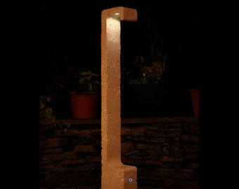 Signal Lamp, Concrete, Tung Shape/Steven Bush