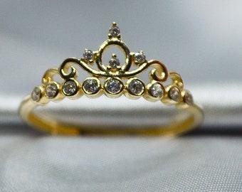 Ladies Petite Paisley 14k Gold Crown Ring