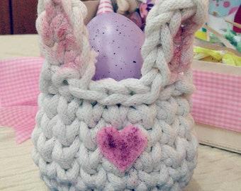 Bunny crochet egg basket decoration
