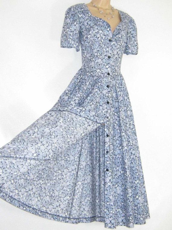 LAURA ASHLEY Vintage Sapphire Leafy Floral Button-