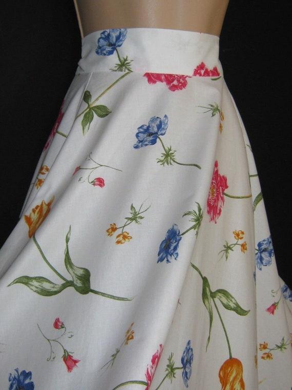 LAURA ASHLEY Vintage Tulip Carnation Full-Circle W