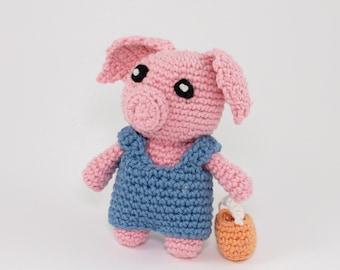 FREE Crochet Pattern for Little Pig with Bucket, Mini Amigurumi Pattern