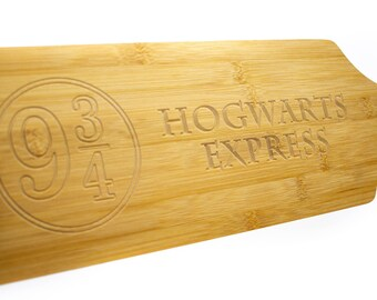 Cutting Board / Cheeseboard carved. Game of Thrones / Harry Potter / Custom engrave