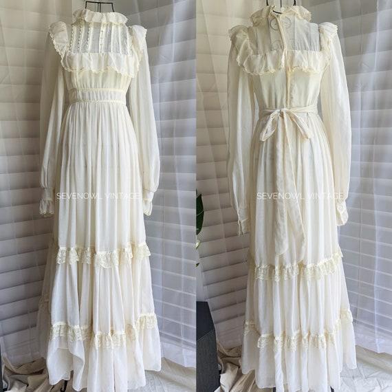 Vintage Gunne Sax White Prairie Mixi Dress with P… - image 1