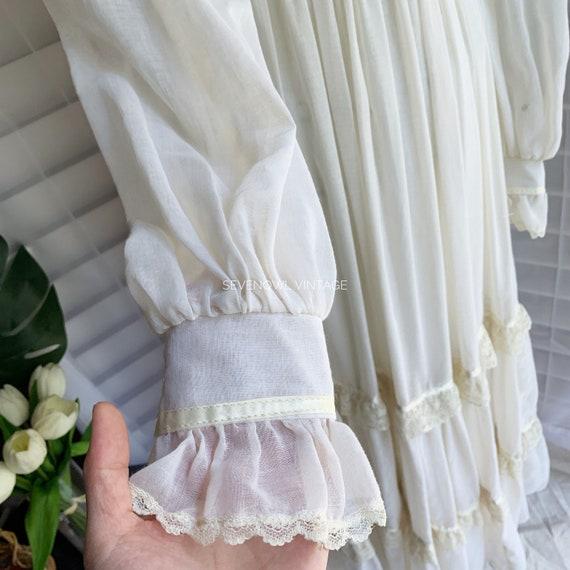 Vintage Gunne Sax White Prairie Mixi Dress with P… - image 4