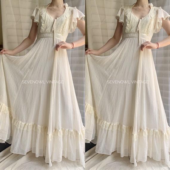 1970s Vintage Gunne Sax Prairie White Mixi Dress-… - image 2