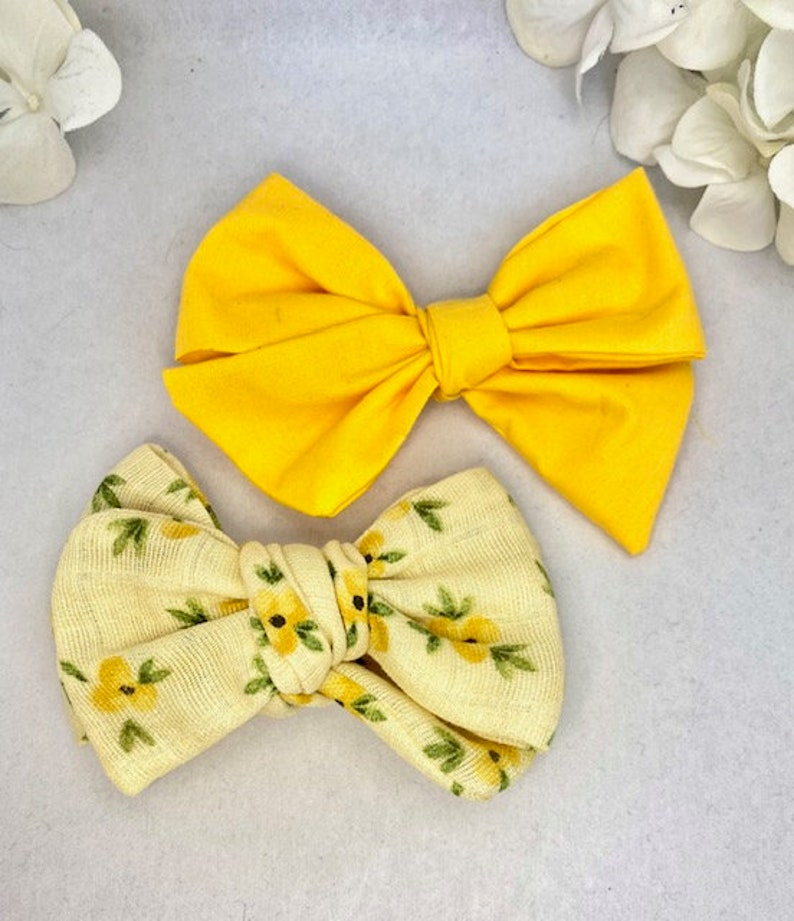 Yellow flower Pinwheel Bow