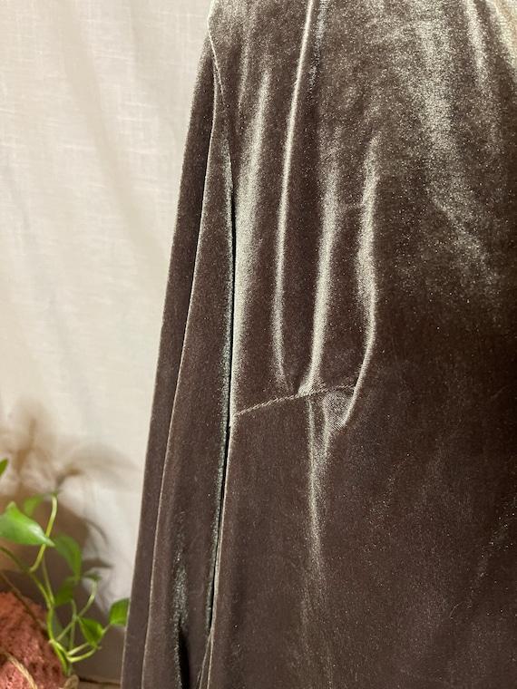 Silvery Lovat Velvet Cloak - image 5