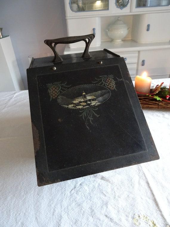 Antique coal shake with winter motif, Art Nouveau,