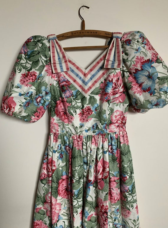 1980s Suttles & Seawinds Floral dress - image 3