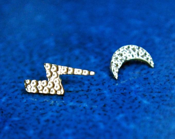 Implant Grade Titanium Hammered Ends - 1.2mm / 16ga - Moon, Lightning Bolt