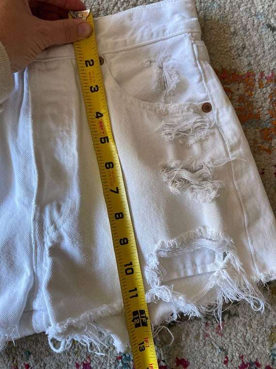 Distressed Levi's 501 White Cutoff Shorts Vintage - image 5
