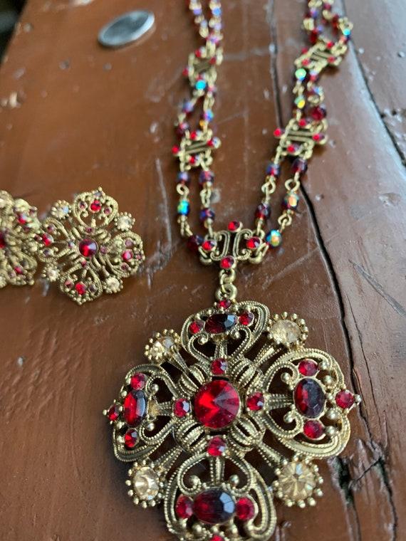 Pendant earrings with button Bridgerton Inspired