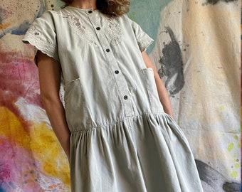 "1980s Khaki Cotton Drop Waist Embroidered ""Doily"" Pocket Dress / S - M"