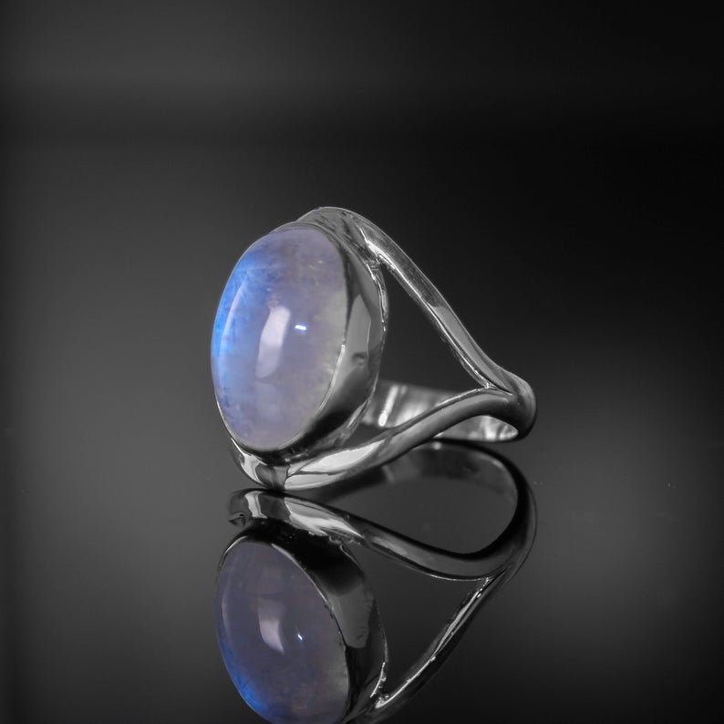 Amazing !! 925 Sterling Silver Boho Ring Fabulous 100/% Natural Rainbow Moonstone Silver Ring Oval White Moonstone Boho Silver Ring PCR-29