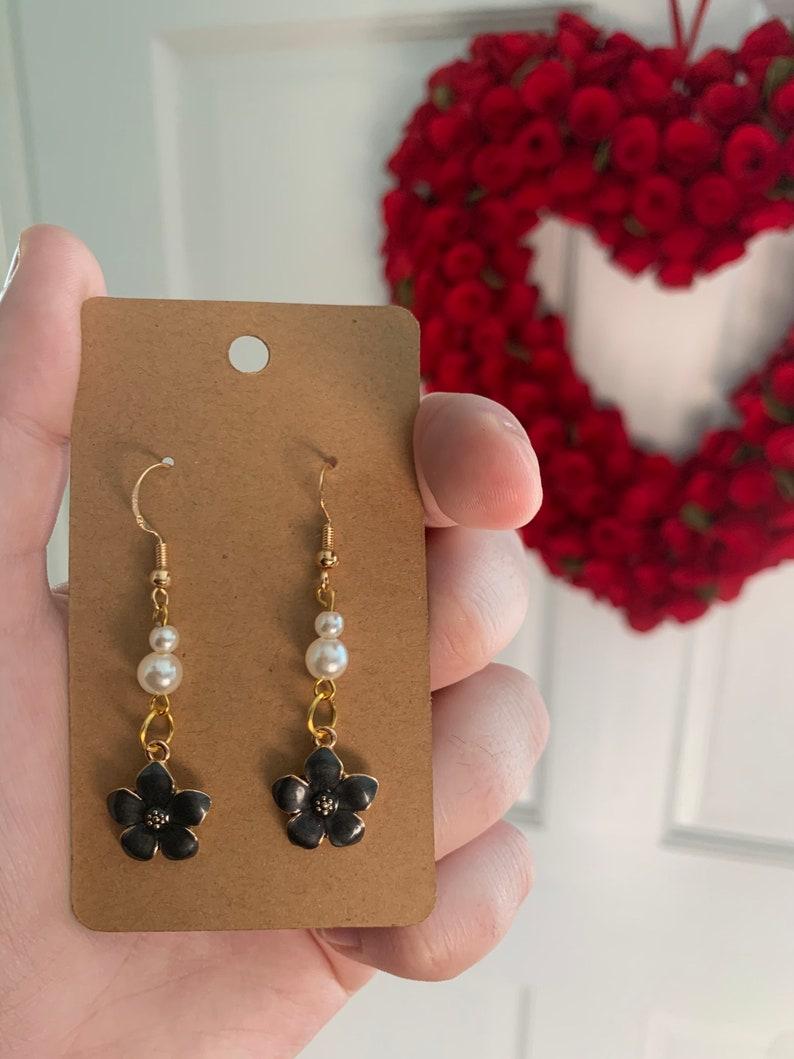 Gift\u2019s for Her Faux Pearl Earrings Elegant Black Flower Earrings 14K Gold Plated Ear Wire Dainty Earrings Gifts for Mom| Mother\u2019s Day