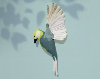Bird MÉZU, in flight. Felt bird wall hanging