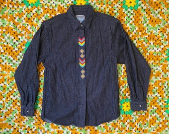 Size L Embroidery Beading Green Cropped Short Sleeve Top Statement Vintage 1980s 80s top Black Wearable art Design Buttons at back