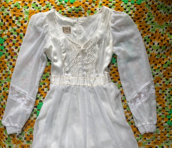Stunning vintage 70's Gunne Sax wedding dress